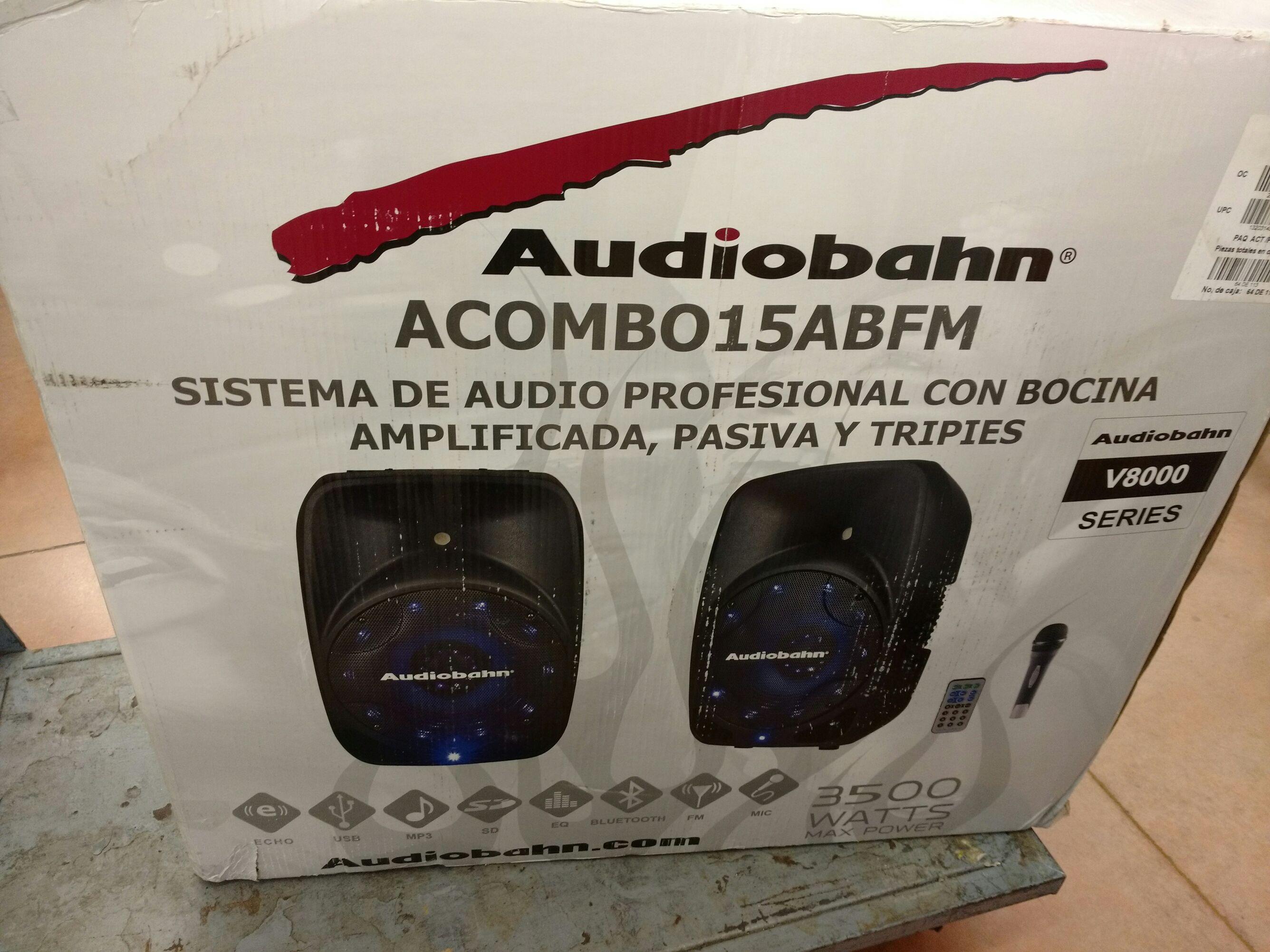 """Walmart Polígono: Combo Bocinas 15"""" una Activa y la otra Pasiva con tripies, micrófono, control remoto, Bluetooth"""