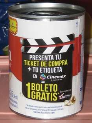 Boleto de Cine Gratis comprando Carnation Clavel o La Lechera