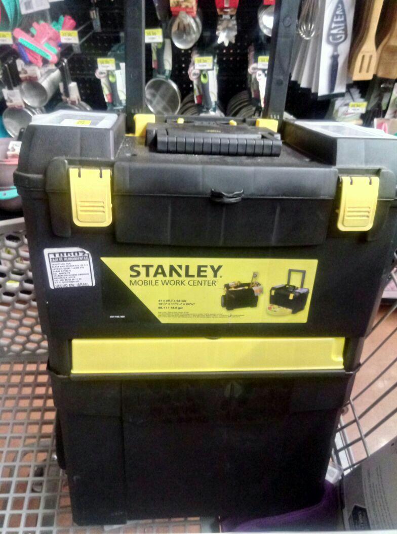 Walmart las Águilas cdmx: Stanley caja de herramientas 2 en 1 a $249.03