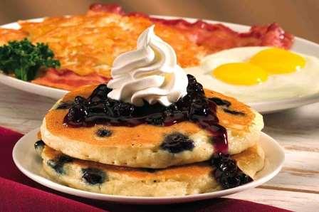 Desayuno, comida o cena en IHOP a $59 (regular $129)
