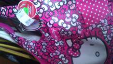 Walmart: bolsa hello kitty a $60.04