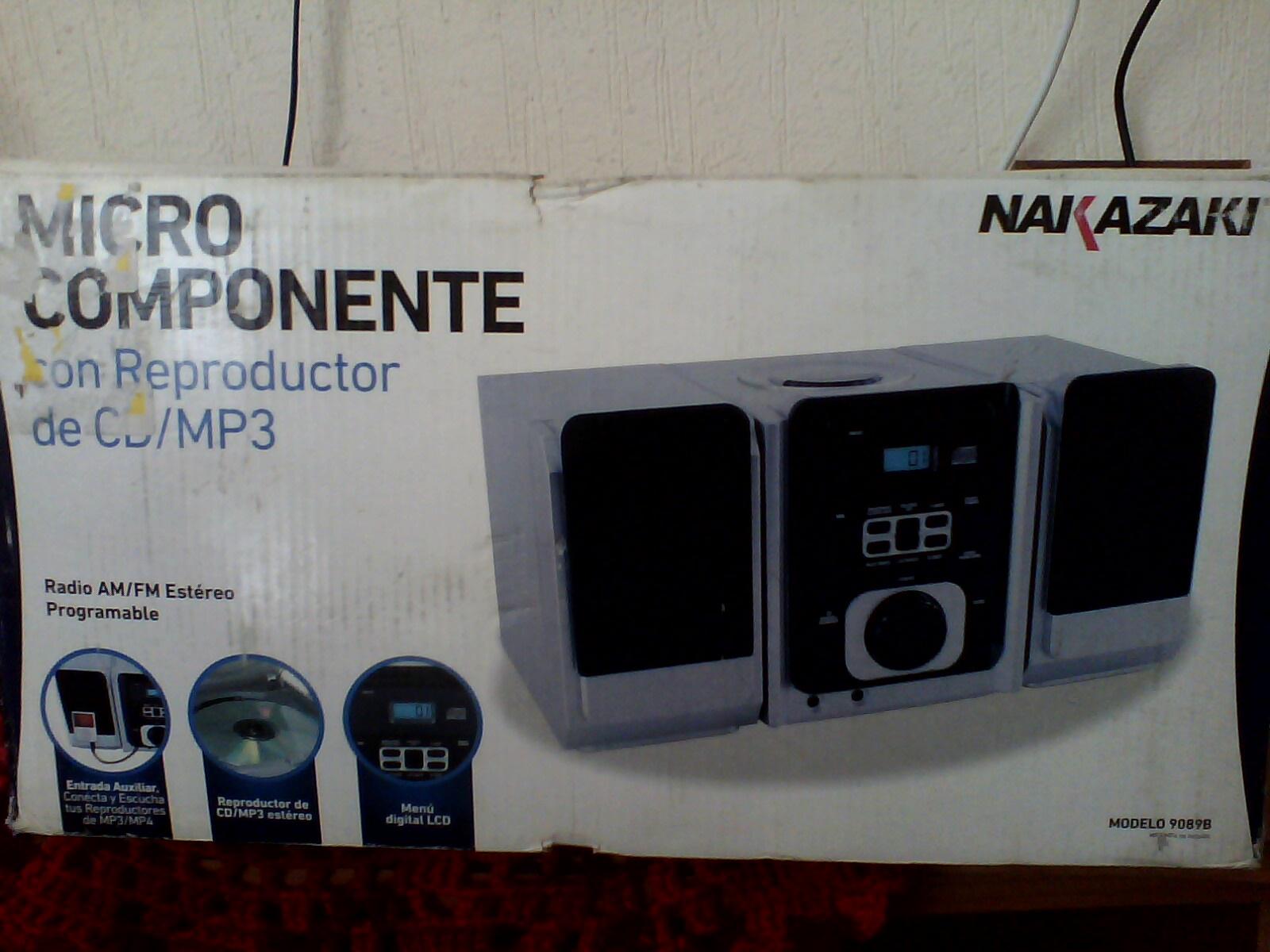 Bodega Aurrerá: Micro Componente CD/MP3 y Auxiliar Marca Nakazaki en $71.04