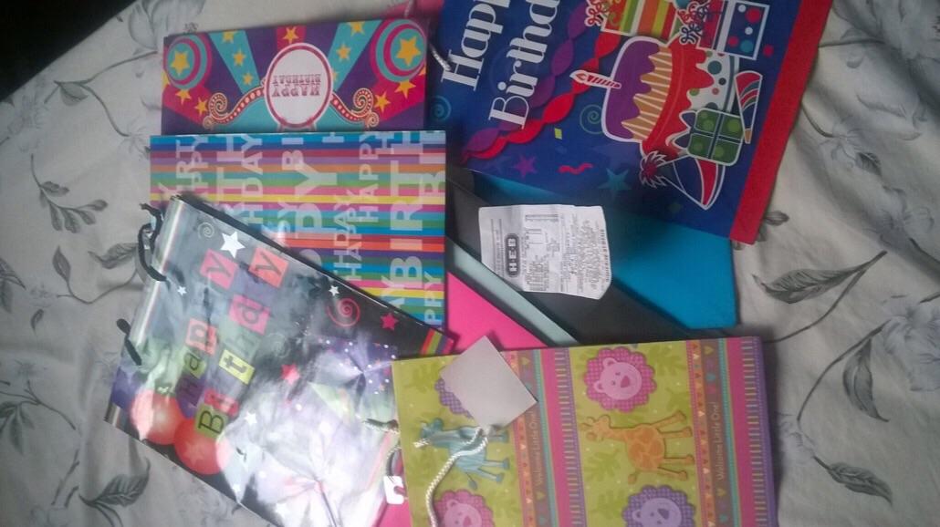 HEB: bolsas de regalo a $2.95