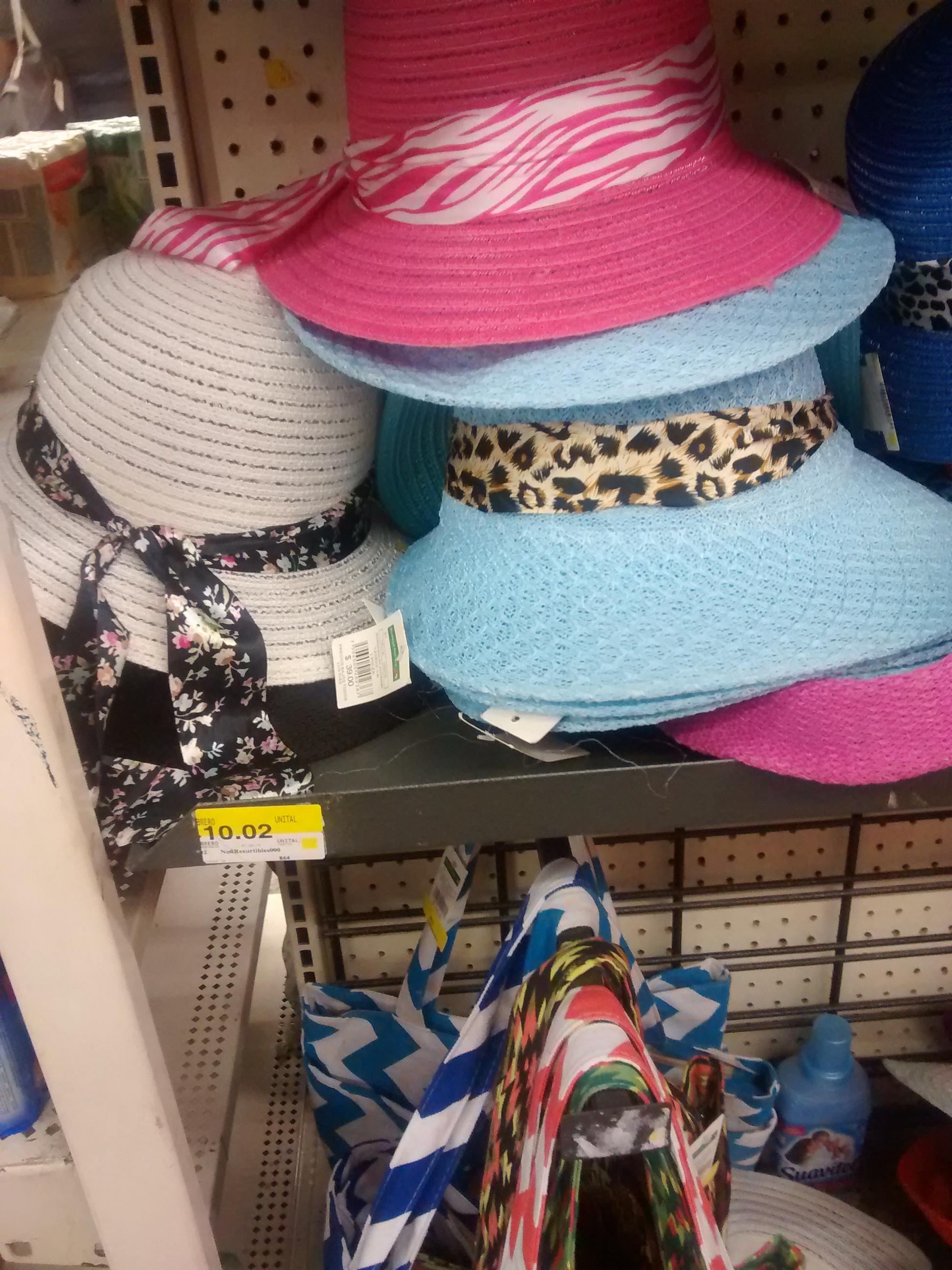 Bodega Aurrerá: Sombrero p/ dama $10.02 Y caparazón tortugas ninja P/ niño 38.02