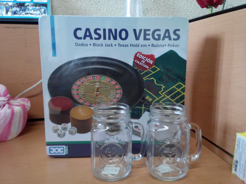 Walmart: Juego de Casino Y Tarros