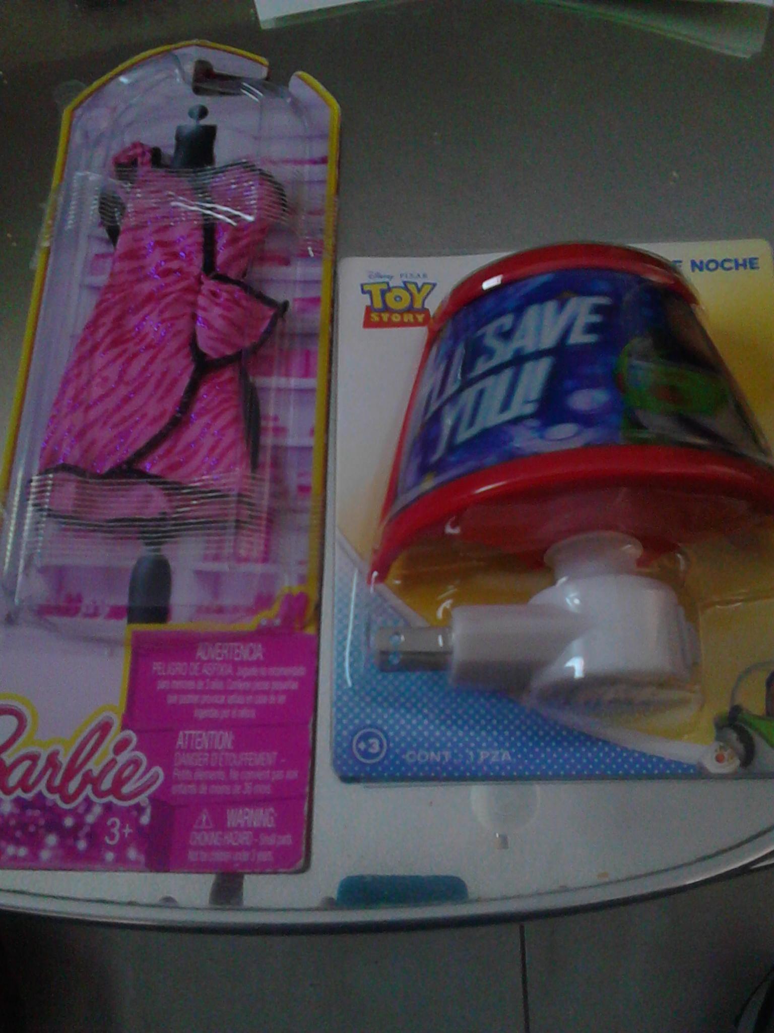 Walmart: vestido de Barbie a $4 y lampara de Toy Story a $10