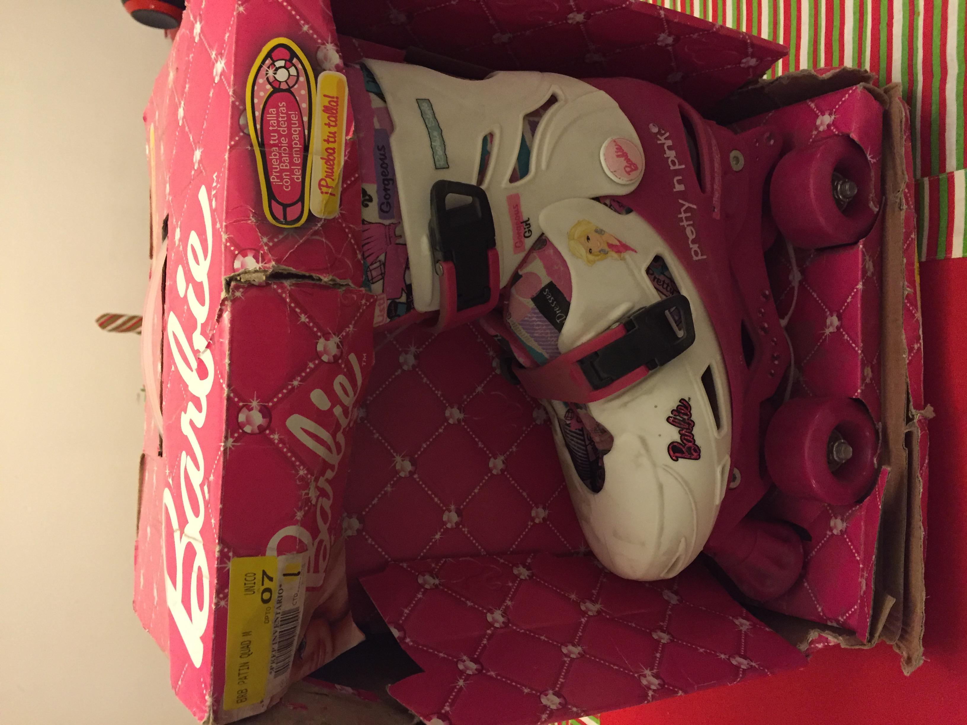 Walmart: Patines Barbie a $64.02