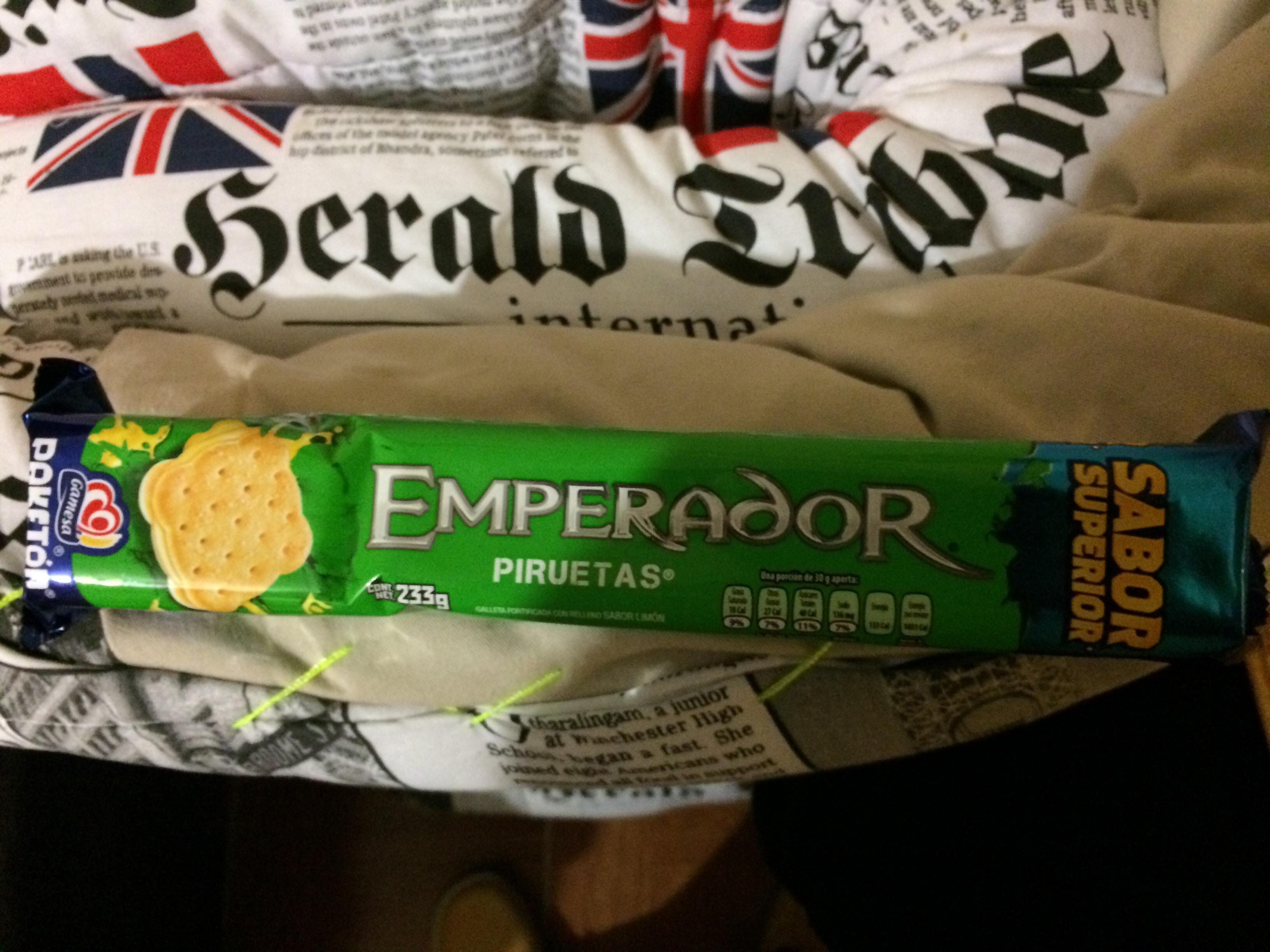 Bodega Aurrerá: emperador piruetas $10 y mas