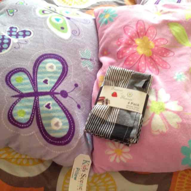 Almohadas a $35.01 en Walmart Cuajimalpa y toallas de cocina $10.01