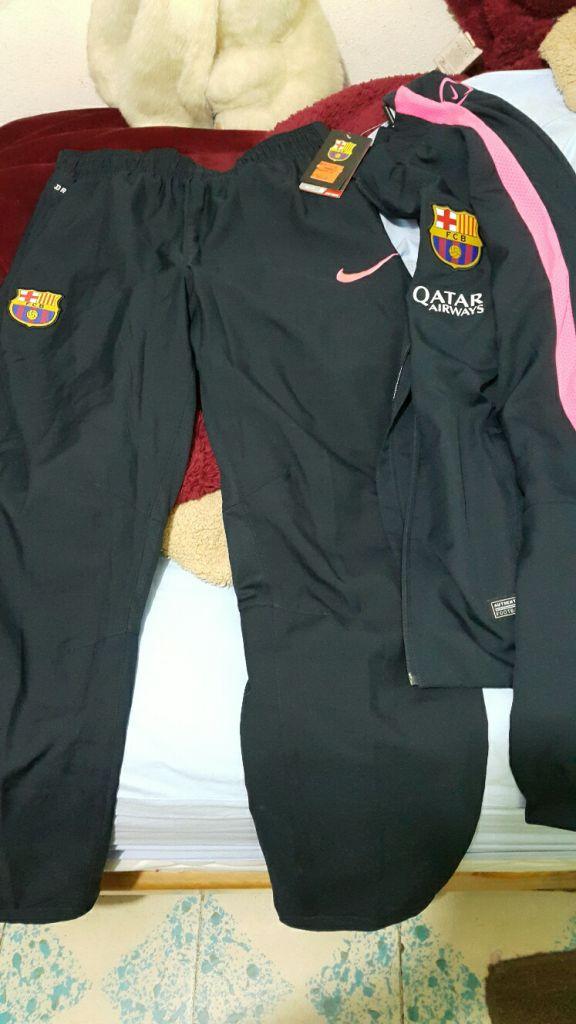 Nike Store: Pants oficial del Barcelona a $649.50