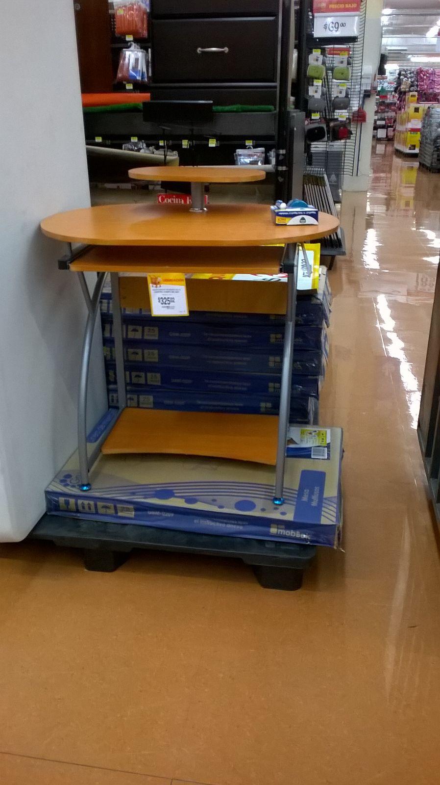 Walmart Tlalpán: Escritorio o mesa multiusos $325