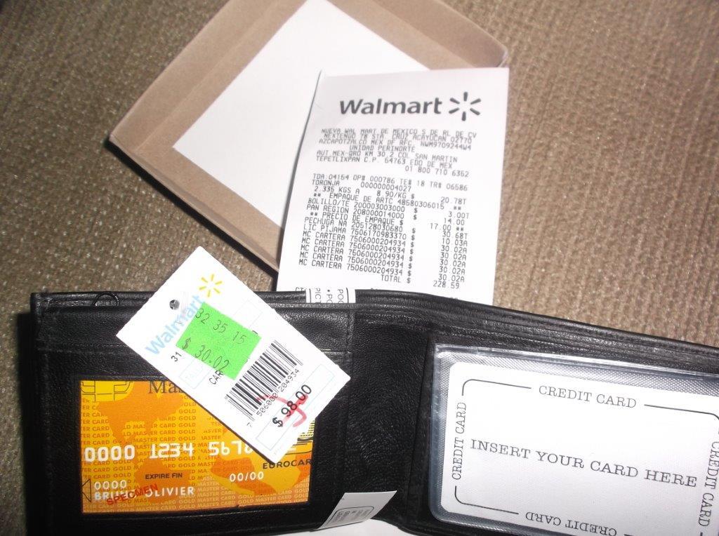 Walmart Perinorte: Cartera para caballero en 30.02 playera en 10.03