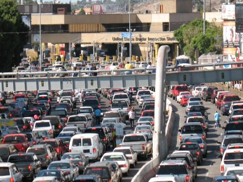 Puente peatonal de aeropuerto de Tijuana a San Diego gratis hasta el 18 de diciembre