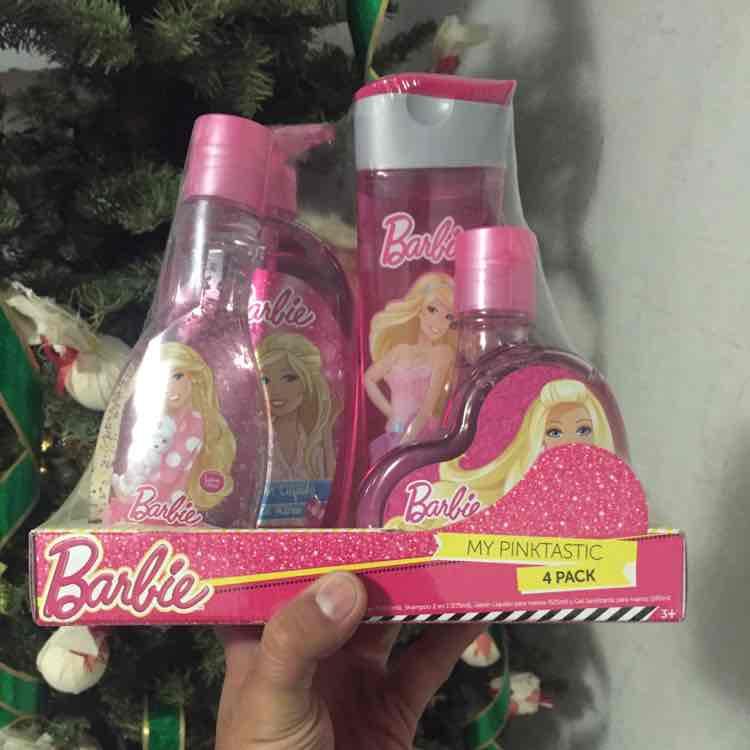 Walmart: Barbie My Pinktastic 4 pack a $59 y 3 camisetas Hanes a $108