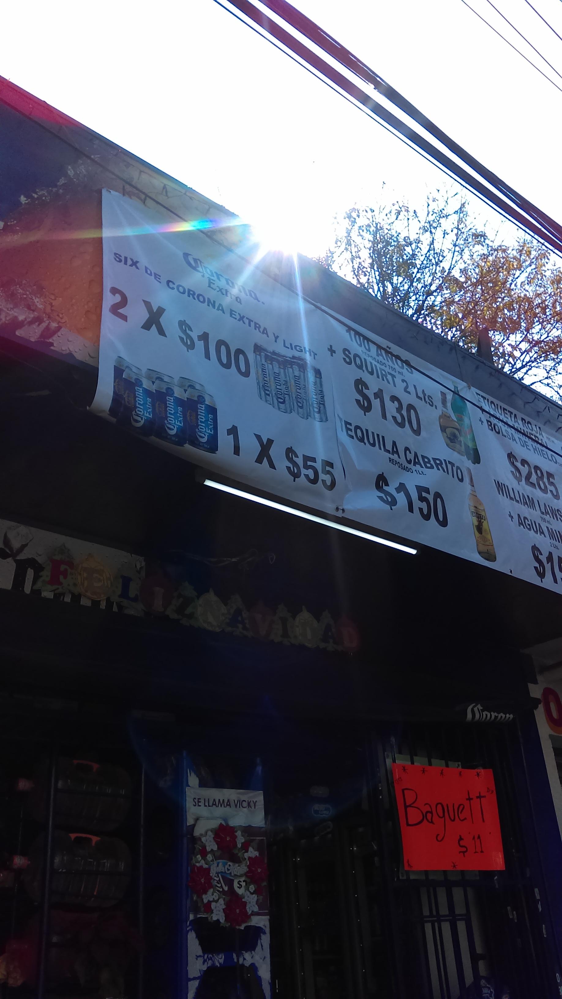 Expendios CORONA: 12 latas de Corona extra o light por $100 pesos