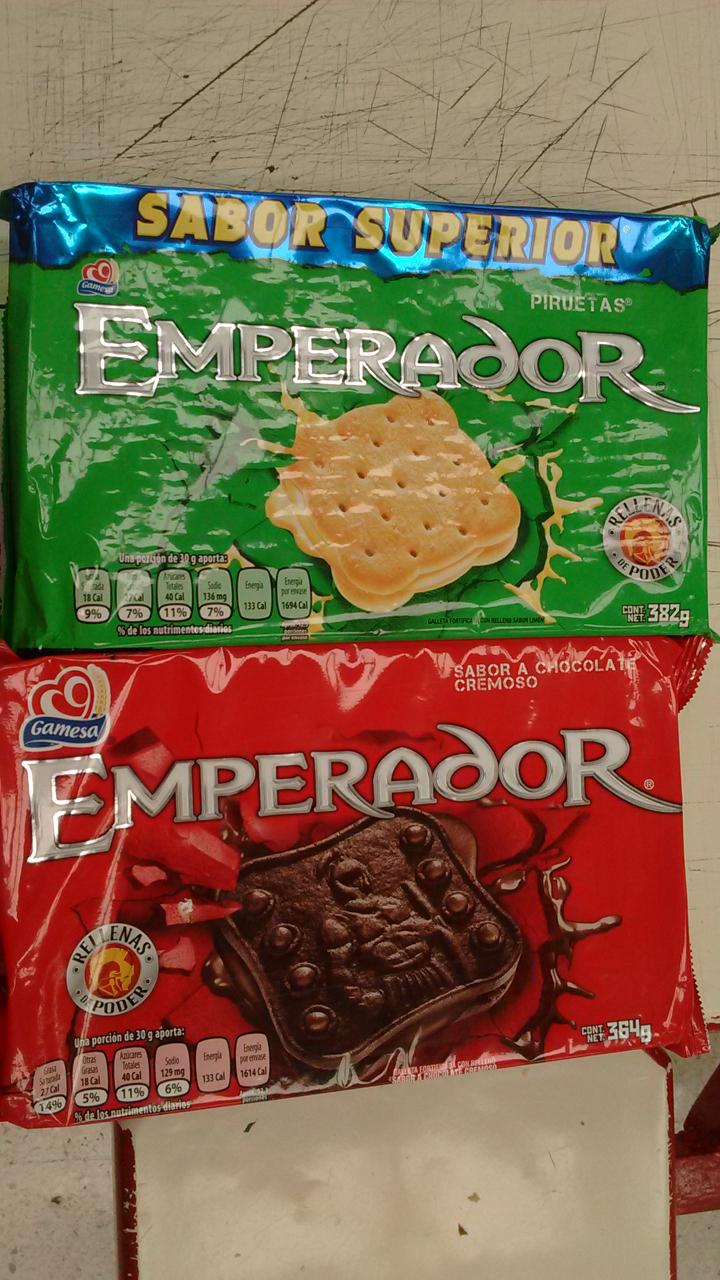 Soriana Mercado: Galletas Emperador Gamesa 15 pesos.