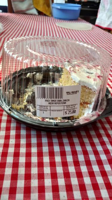 Walmart: Pastel de varios sabores alusivo al 14 de febrero solo $25