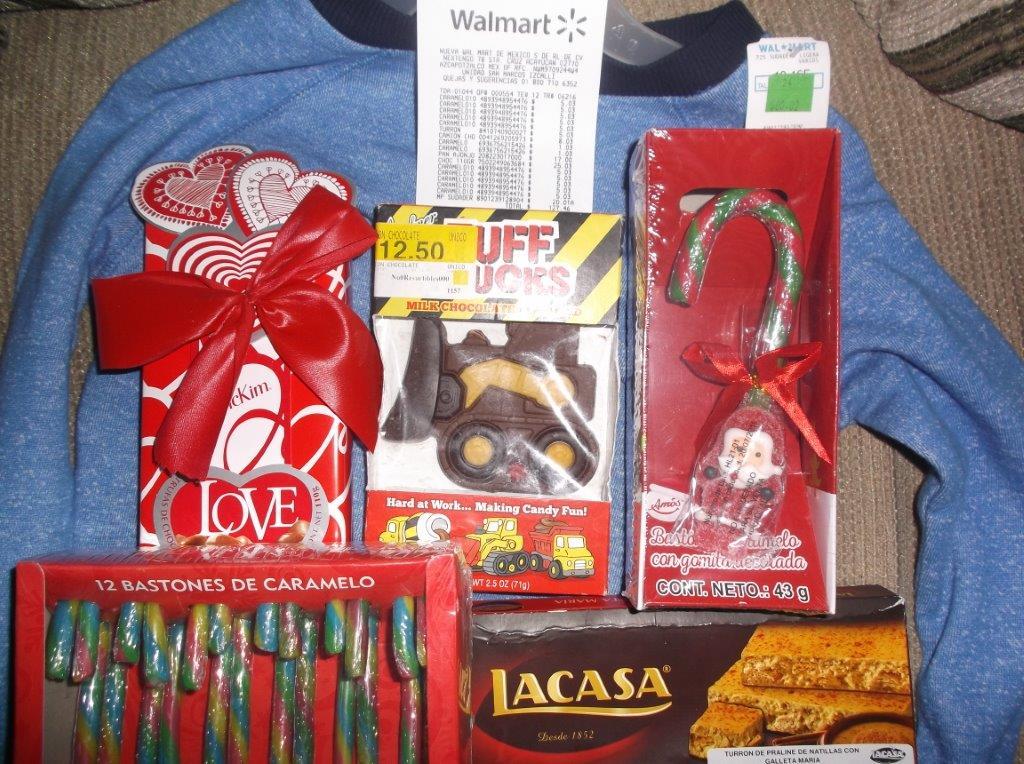 Walmart Plaza San Marcos: Baston de caramelo 1.03, caja bastones de caramelo 5.03 y mas...