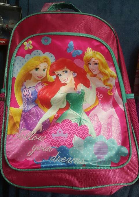 Soriana: 50% y 40% de descuento en mochilas