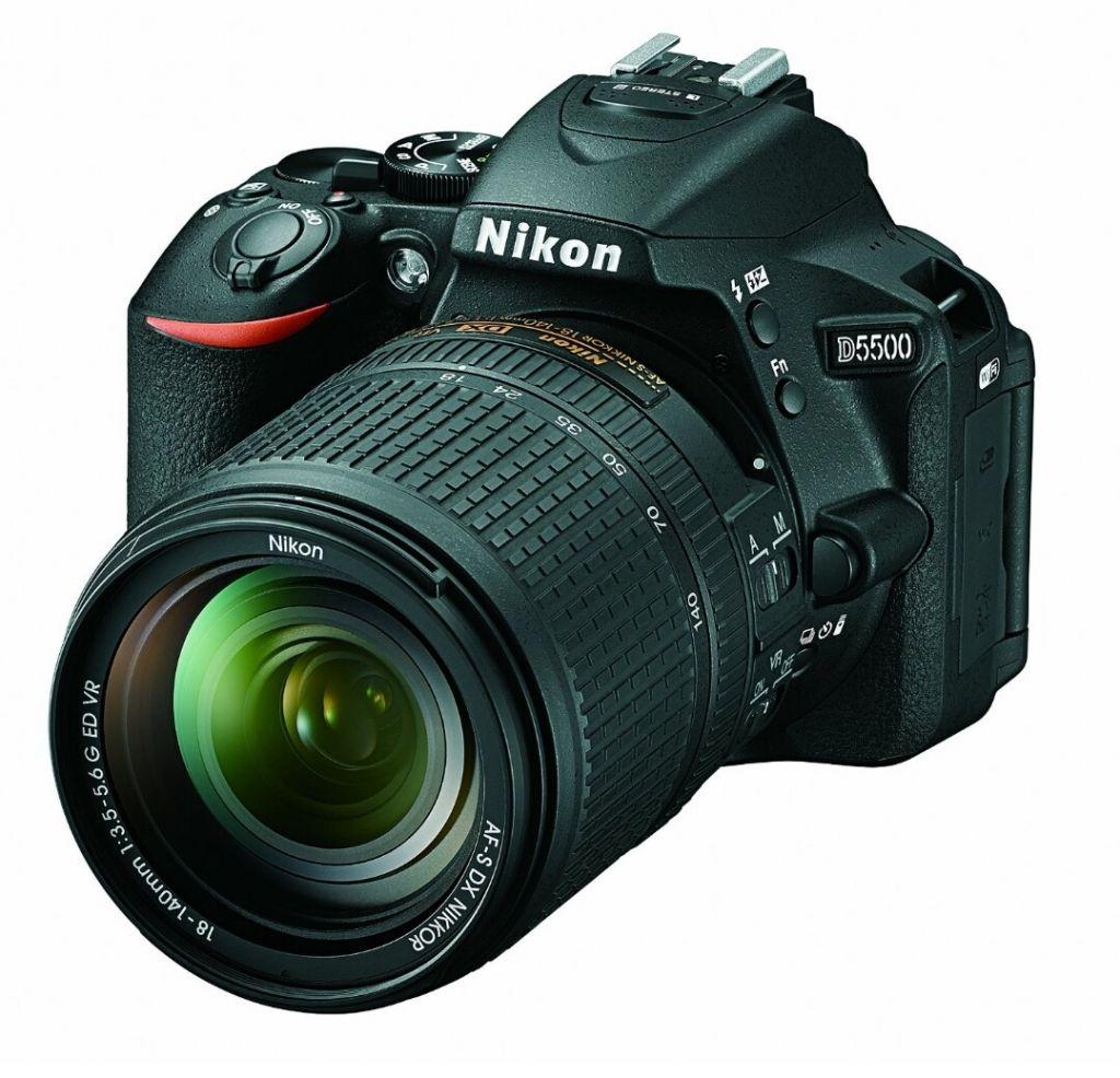 Amazon mx: Cámara DSLR Nikon D5500 con lente 18-140mm f/3.5-5.6 G ED VR Color Negro a $13,089 con cupón SALDAZO