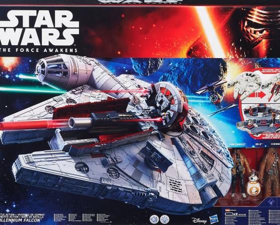 Walmart: Halcón Milenario electrónico Hasbro de $2449 a $499.03