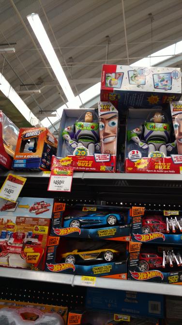 Bodega Aurrerá: Buzz Lightyear a $450.02
