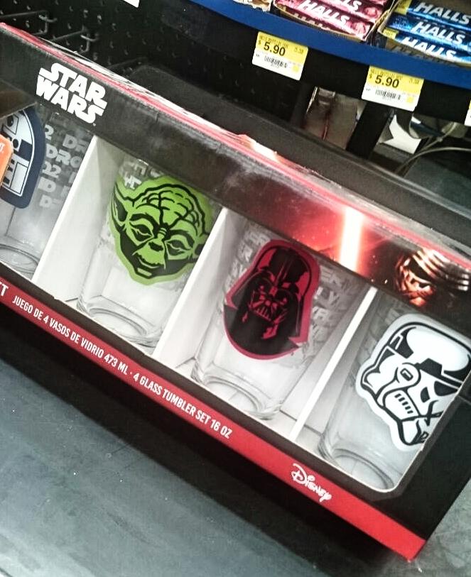 Walmart: 4 Vasos Starwars a $65.03