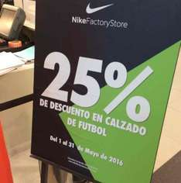 Nike Factory Store: 30% + 25% de descuento en calzado para futbol