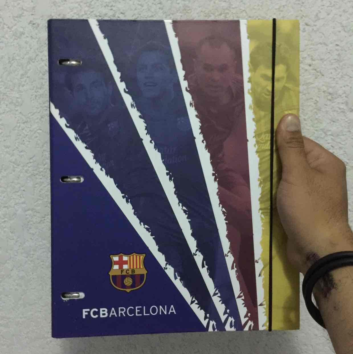 Walmart: carpeta FC Barcelona a $49