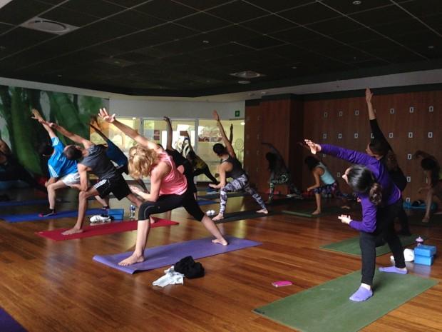 Costco Online: Hard Candy Fitness Gimnasio (membresía + anualidad) para 1 persona
