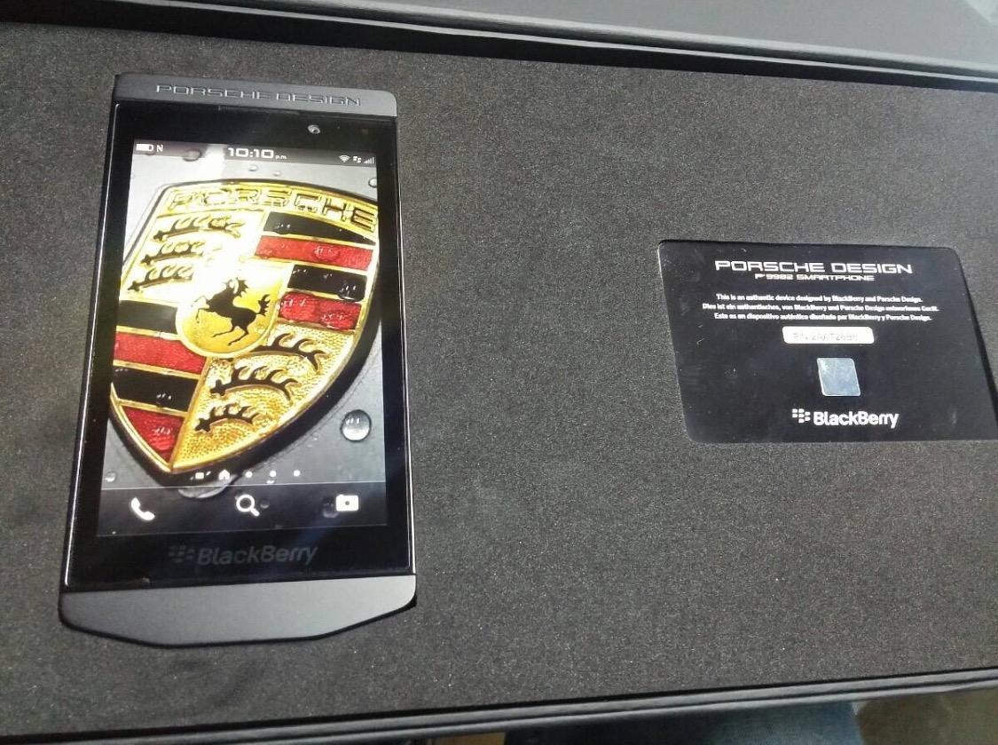 BlackBerry Porsche Design P9982 4G LTE Acero Inox Cuero Italiano a Mano