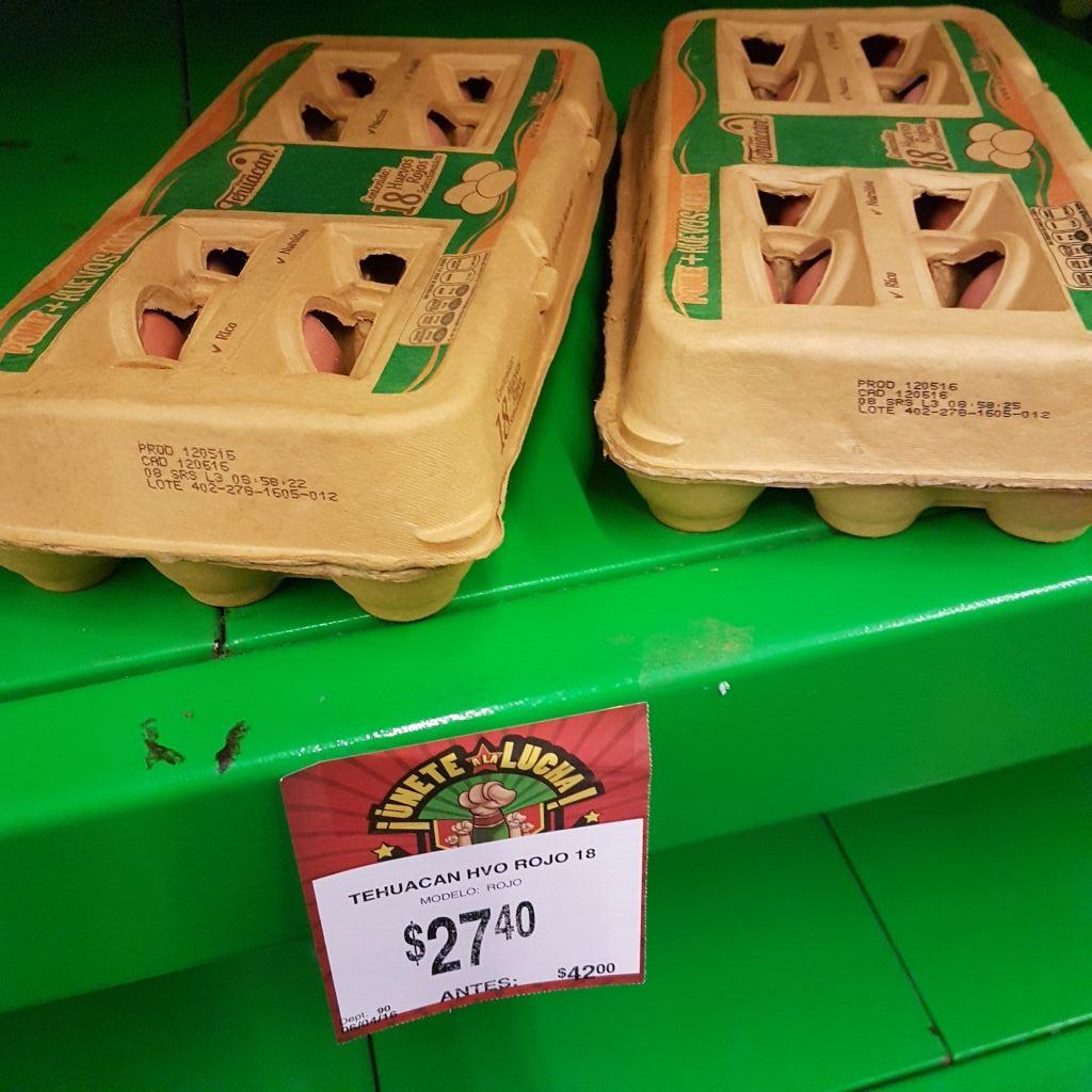 Bodega Aurrerá Tehuacán: 18 piezas de Huevo rojo a $27.40