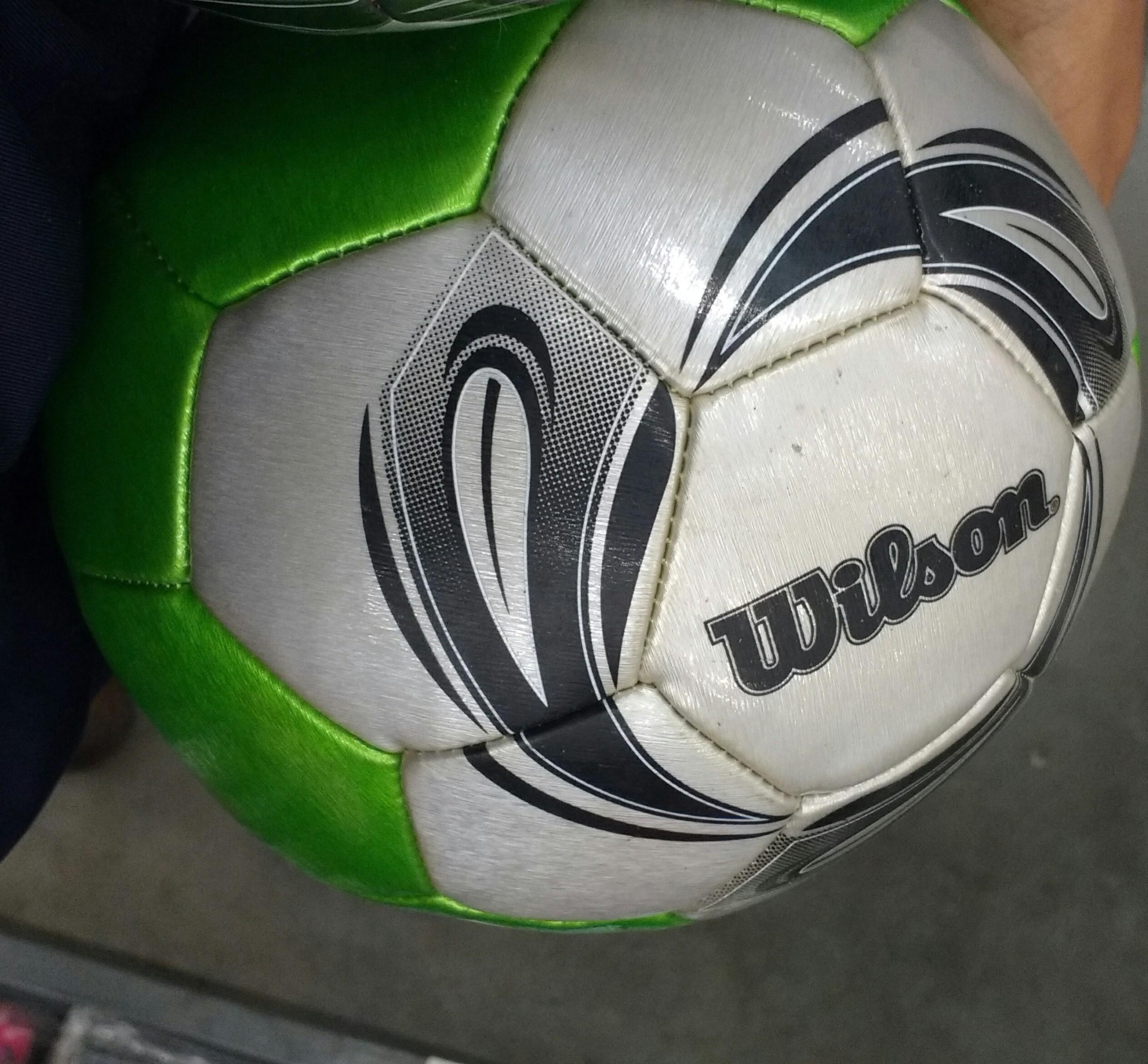 Bodega Aurrerá: Balón de fútbol wilson de $120 a $35.01
