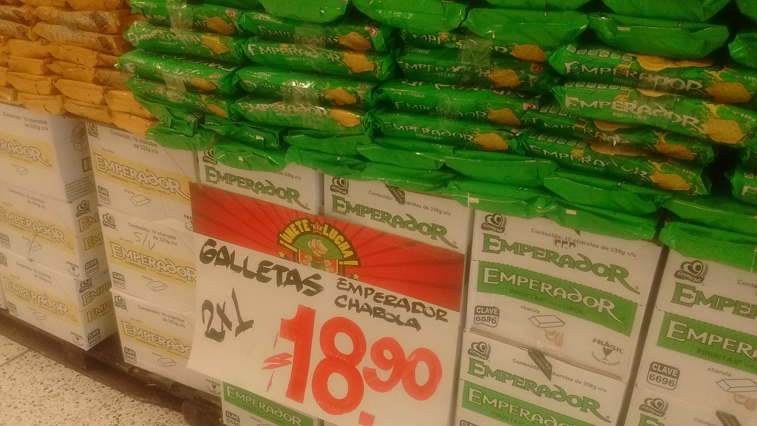 Bodega Aurrerá: 2 charolas galletas Emperador de 339gr por $18.90