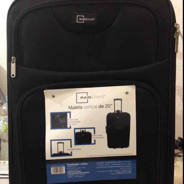 "Bodega Aurrerá: maleta vertical de 20"" Mainstays a $45.01"