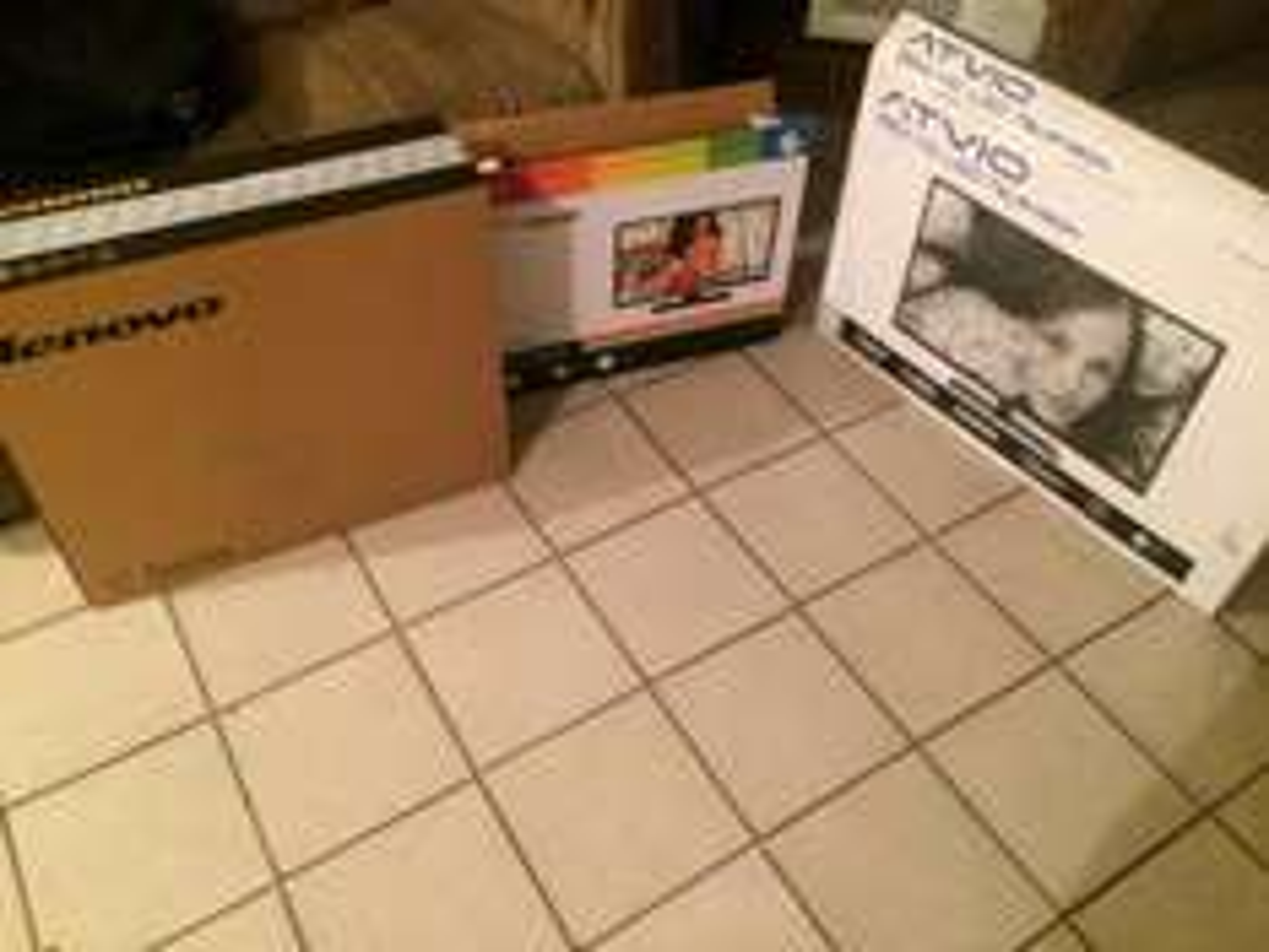 Walmart: Lenovo c40-30 a 4899.01 + tv 22 pulgadas marca polaroid 999.01 + TV ATVIO 32 pulgadas a 1999.02