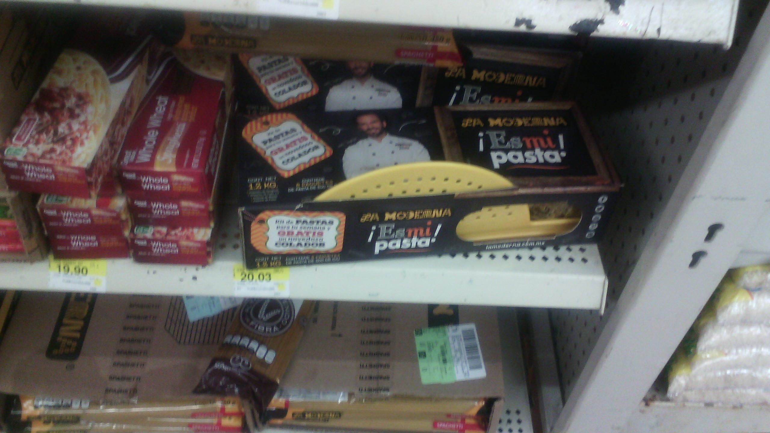 Walmart Uruapan: Paquete de 6 pastas la moderna de 200gr c/u + colador de regalo por $20.03