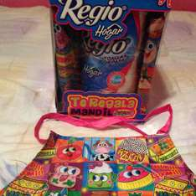 Comercial Mexicana: servítoallas Regio + mandil de distroller de regalo