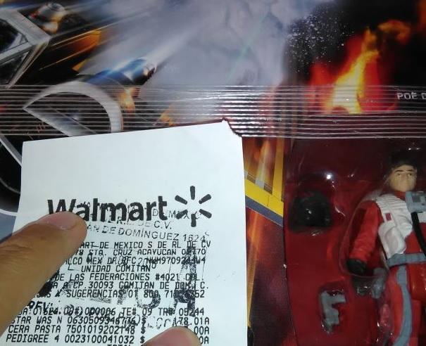 Walmart: Stars Wars X-Wing con figura de Poe Dameron a $178.01