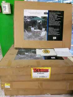 Bodega Aurrerá: Juego de jardín (mesa, sillas sombrilla) $899.01