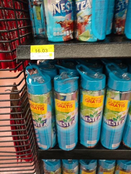 Walmart Comalcalco: Nestea 6 sobres y vaso de cilindro a $16.03
