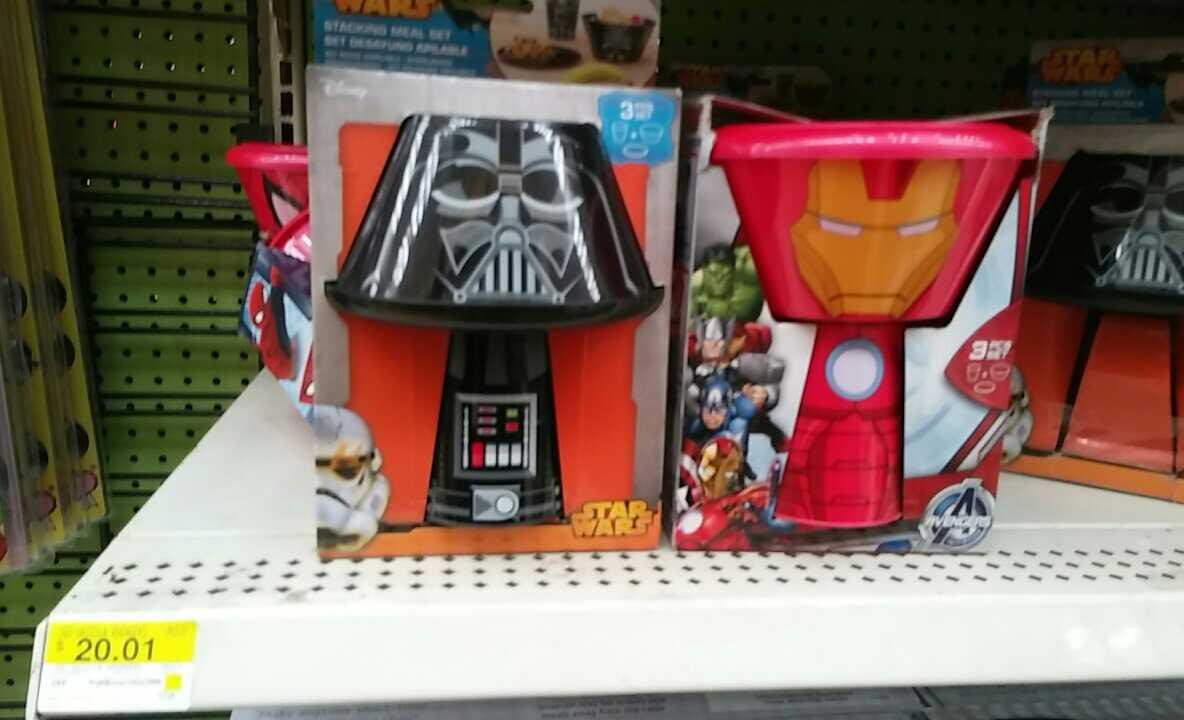 Walmart Toluca Terminal, juego de platos y vaso starwars y superheroes, 20.01