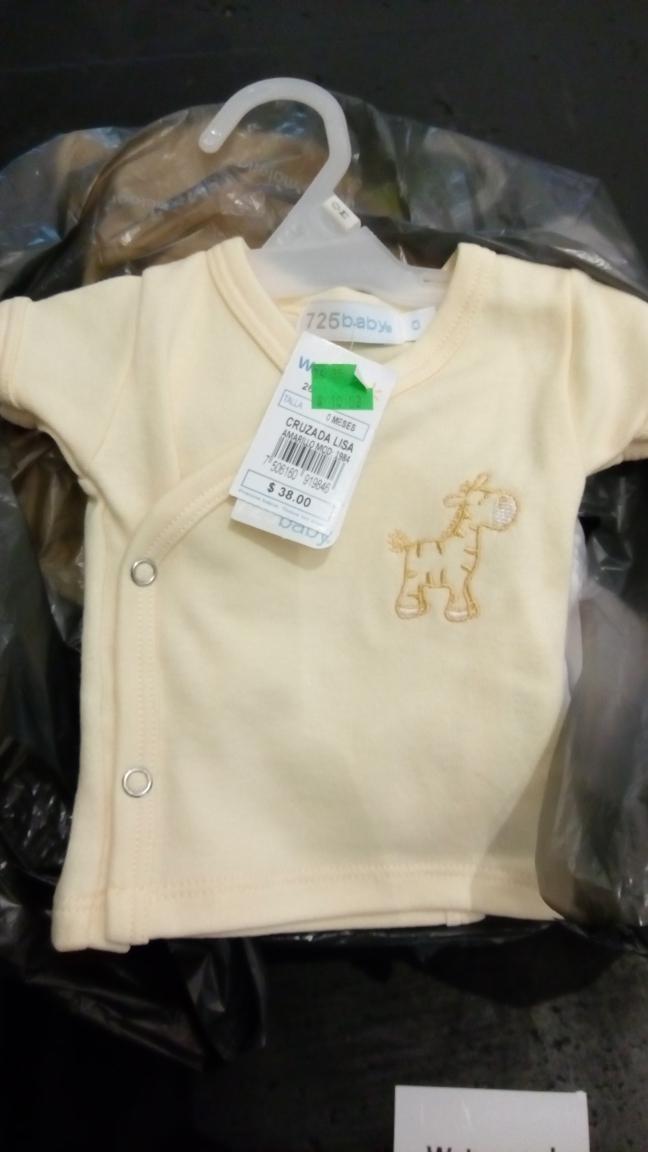 Walmart Zumpango: playeras de Bebe $10