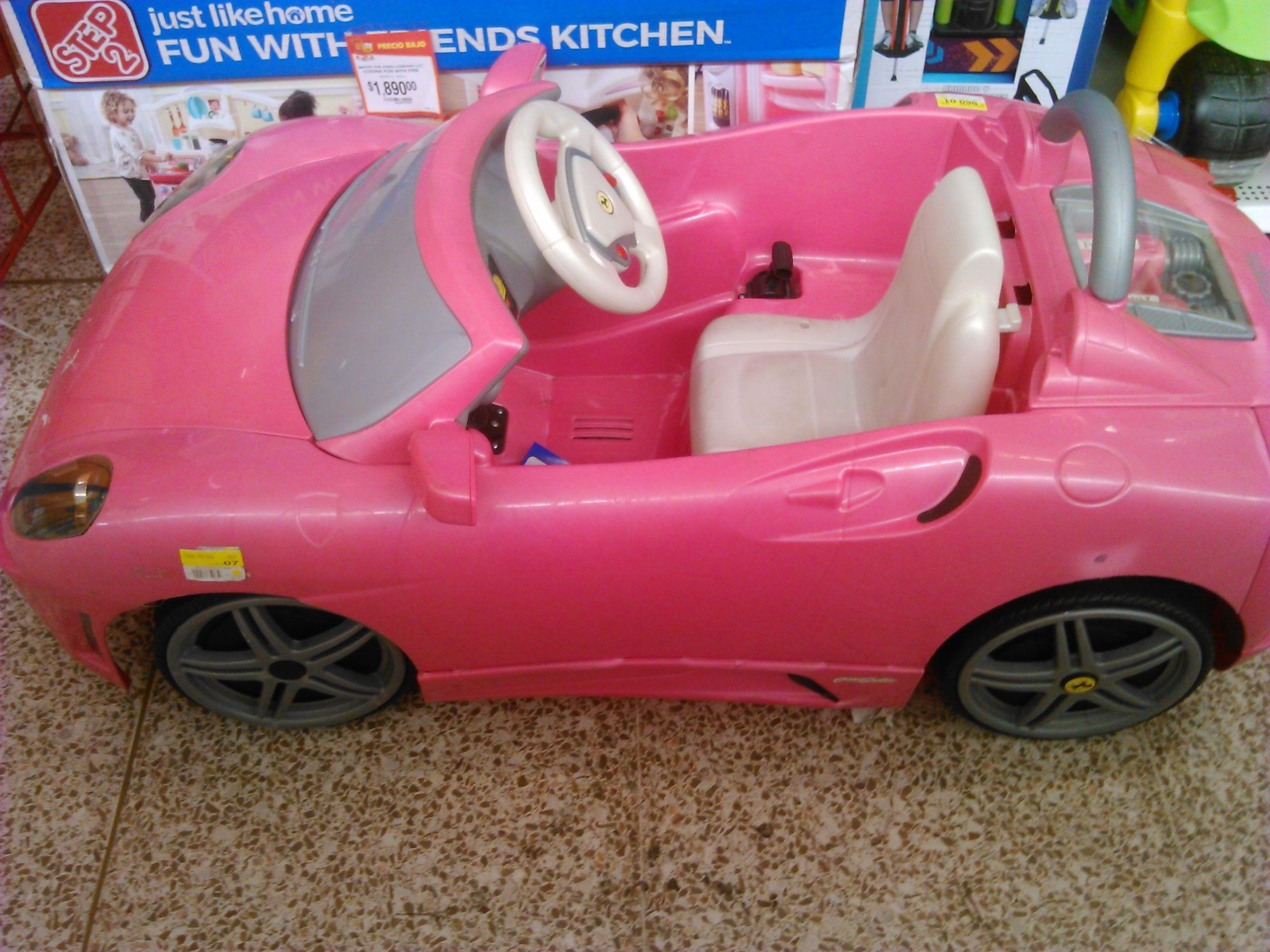 Walmart taxqueña: coche para niña de Barbie $960.01
