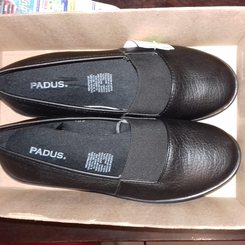 Walmart Tonalá, Jalisco: zapatos padus y artículos de fiesta en liquidación