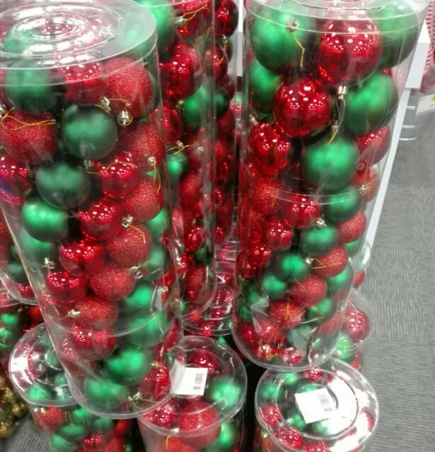 Best Buy: Set de 100 esferas rojo & verde de $490 a $89 y más