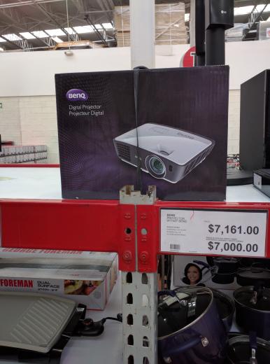 City Club Querétaro; Proyector marca BenQ resolución 720p. Entrada HDMI. Modelo W770st.