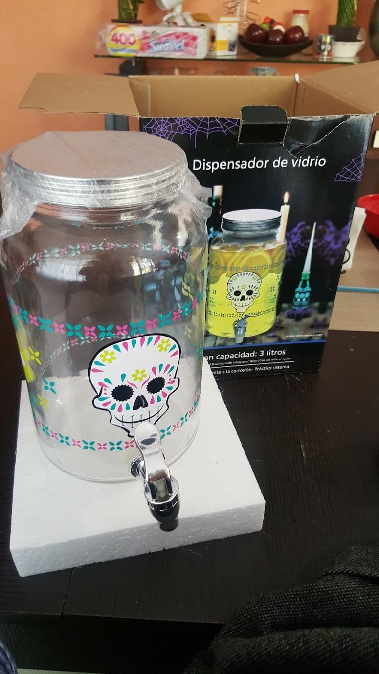 Bodega Aurrerá: dispensador vitrolero de vidrio con motivos de día de muertos, 3Lt a $53.03