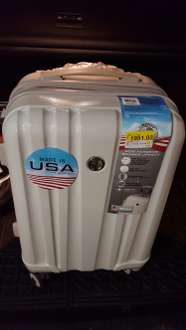 "Walmart: Maleta Carry -on Liberty de Policarbonto de  20"" a $418.01"
