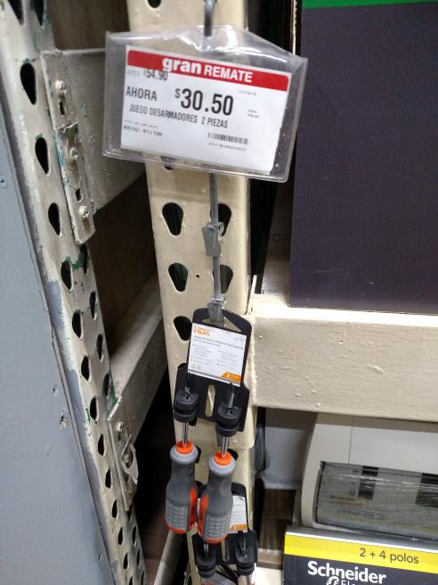 Home Depot: desarmadores plano y cruz $30.50